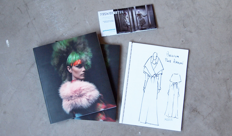 Catalogue Fashion Art EU & sketch Phil Akashi