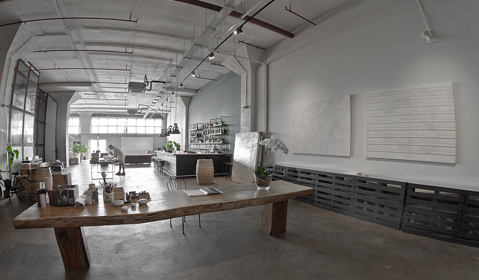 Phil Akashi studio - Singapore